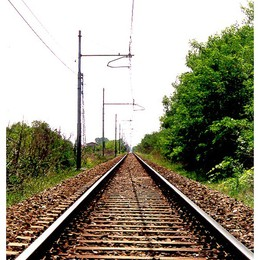 Fulmine sulla linea: in tilt la Bergamo-Lecco