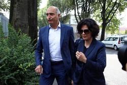 Silvia Gazzetti e Claudio Salvagni, gli avvocati di Giuseppe Massimo Bossetti, arrestato per l'omicidio di Yara Gambirasio, entrano nel carcere di Bergamo per incontrare il loro assistito, 26 giugno 2014. ANSA/ PAOLO MAGNI
