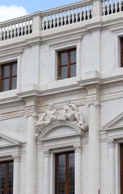 La facciata della biblioteca Angelo Mai dopo il restauro