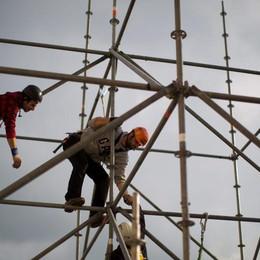 Angeloni: «Ma perché invece non fa funzionare il Fondo Famiglia Lavoro?»