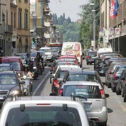 La nuova viabilità in centro  «In via Garibaldi è  coda perenne»