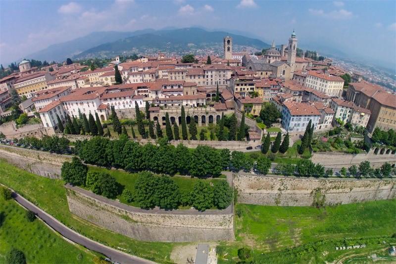Bergamo Citt 224 Europea E Metropolitana Trenta Sindaci