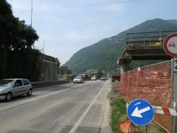 Il ponte demolito a Cene