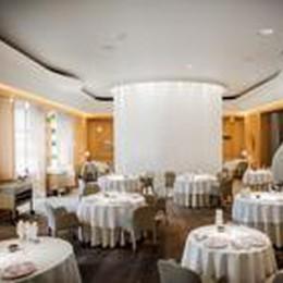 Le sedie Pedrali sulla Fifth Avenue   e nel ristorante stellato di Ducasse