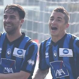 Un centrocampista se ne andrà  Meglio Carmona o Cigarini?