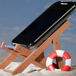 Cellulare in vacanza? Attenzione... Dieci consigli per risparmiare