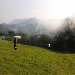 Si incendia un deposito agricolo    Vigili del fuoco a Gandosso