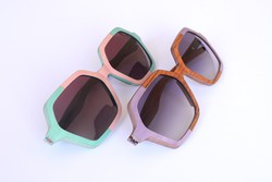 Gli occhiali della linea «Color block»