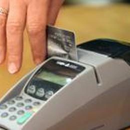 Scatta l'obbligo del bancomat. Ma...  Zero sanzioni a chi non lo installa
