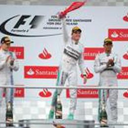 F1, Rosberg senza nessun ostacolo  Hamilton da 20° a 3°. Alonso è 5°