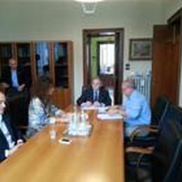 In onda il Consiglio provinciale «light»  Ma Pirovano non è stato «abbandonato»
