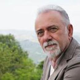 Giorgio Faletti è morto a 63 anni  L'addio: «Cari amici, a volte l'età...»
