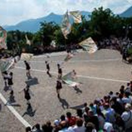 In diecimila a Vall'Alta medievale  Adua, la sarta dalle mani d'oro