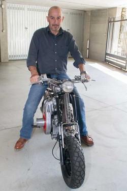 Flavio Signori con la sua originalissima moto