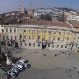 Simone Paganoni dà i numeri  A Bergamo mai un sindaco donna