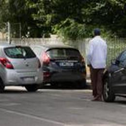 I parcheggiatori abusivi  restano un tarlo della città