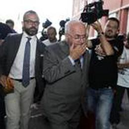 Tavecchio conferma: «Io non mollo»  Ma Malagò spera: «Se si ritirasse...»
