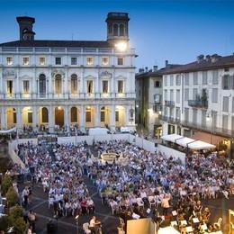 Serate di lirica e un Gran galà  Tutto sul «palco» di Piazza Vecchia