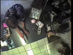 Una foto estrapolata dai video al vaglio della polizia