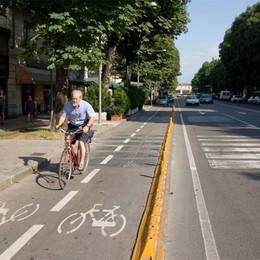 Pista ciclabile su Viale Papa Giovanni  Commercianti: no, meglio parcheggi