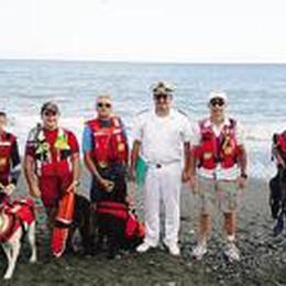 Da Seriate al mare della Liguria  I cani  orobici salvano bimba