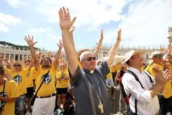 I pellegrini bergamaschi con il vescovo Beschi