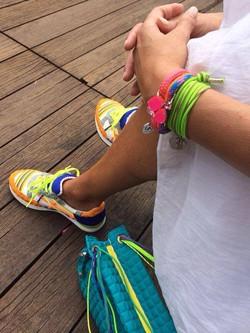 Scarpe, borsa e bracciali «L4K3»