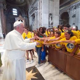 L'incontro  a sorpresa con il Papa:   «Siete bravi voi bergamaschi»