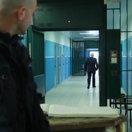 Il cappellano del carcere Resmini  «Bossetti mi chiede conto di Dio»