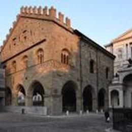 Le opere dell'Accademia Carrara  lasciano il Palazzo della Ragione