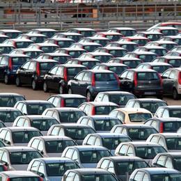 Auto, un  mercato senza turbo  Immatricolazioni a luglio +1,1%