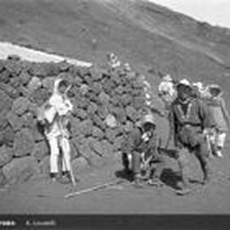 Il giro del mondo di Locatelli  Nel 1923 in vetta al Fujiama