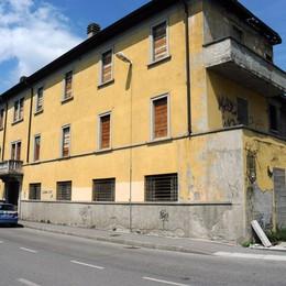 Via Magrini, l'allarme dei residenti Ancora problemi alla ex mensa