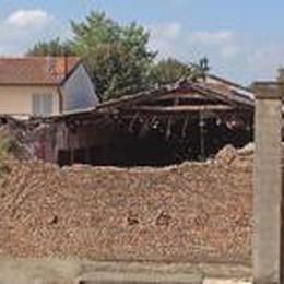 Romano: crolla tetto dell'ex cinema  Rischio Eternit, messa in sicurezza