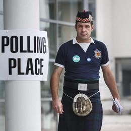 La lunga notte della Scozia al voto  Affluenza record: l'80 per cento