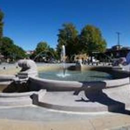 Stazione: la fontana zampilla  «Ora penseremo all'intera piazza»