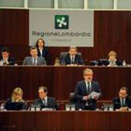 Tagli ai vitalizi, legge approvata  Consiglio regionale: 57 sì e 9 astenuti