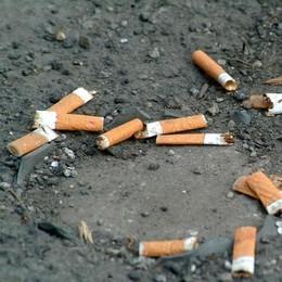 Sigarette e cicche, in arrivo  multe salate per chi le getta a terra