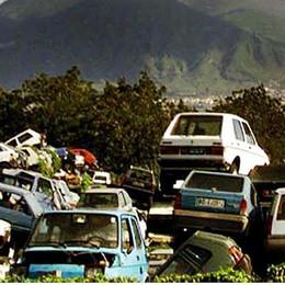 Pezzi di auto da Bergamo all'Albania  Bloccato un camion a Segrate