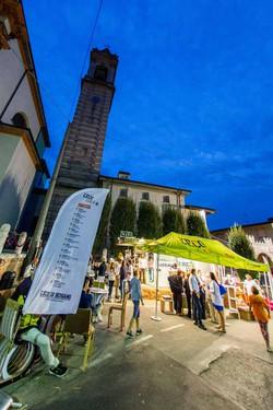 La redazione mobile de L'Eco café alla festa del moscato a Scanzo