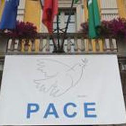 Gori ai sindaci della provincia:  esponete il simbolo della pace
