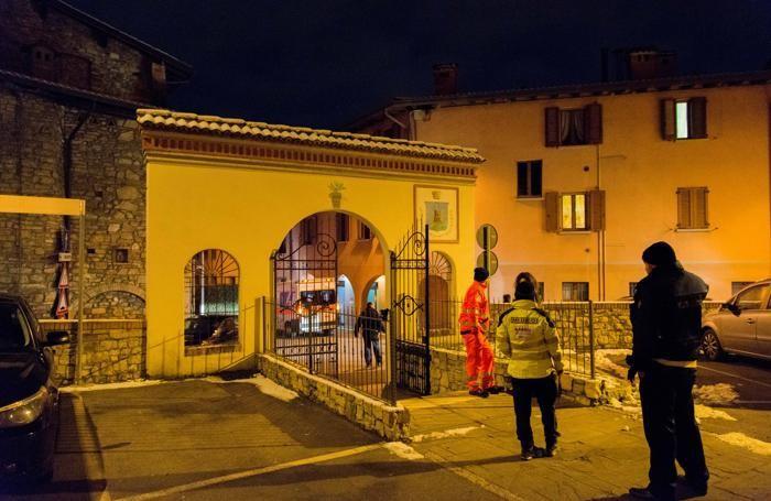 Davanti alla casa di Roberto Crespi a Gorlago