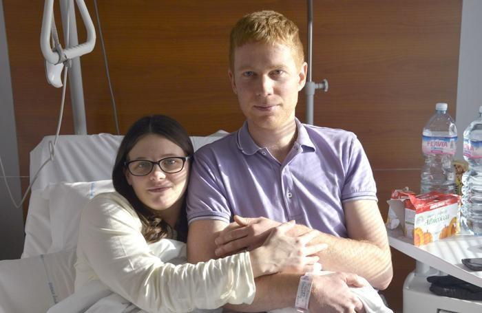 I genitori di Giorgia Remondini con la piccola in braccio