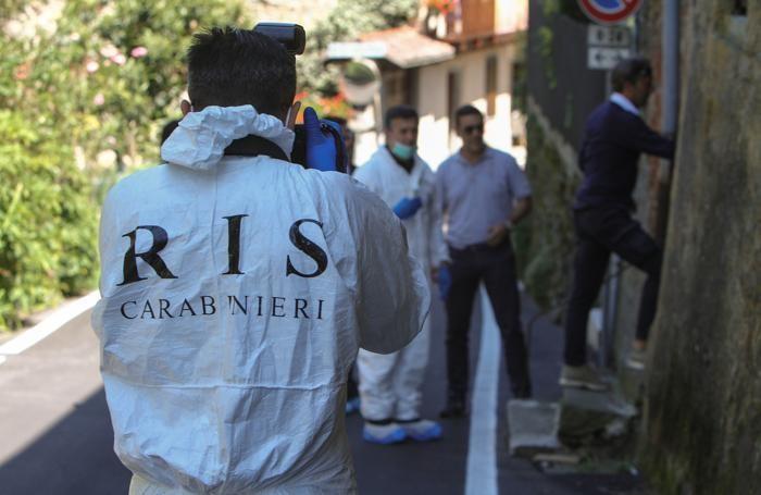 I Ris dei Carabinieri nella casa di Massimo Bossetti