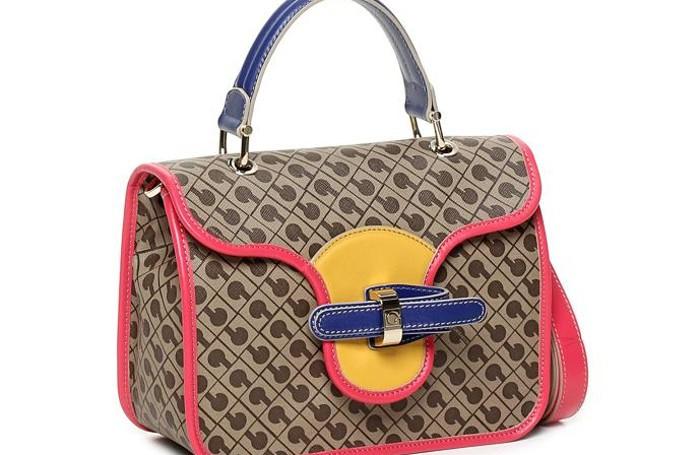 Una storica borsa Gherardini rivisitata secondo i colori della Pop Art