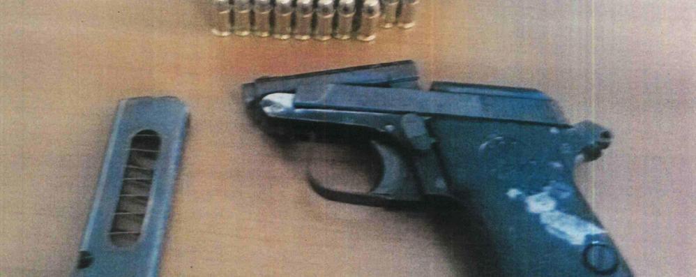 Carrozziere abusivo, blitz a Campagnola Aveva una pistola col colpo in canna