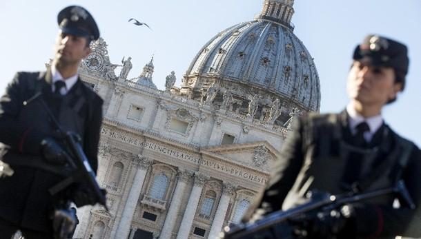 Terrorismo: 10 islamici indagati a Roma