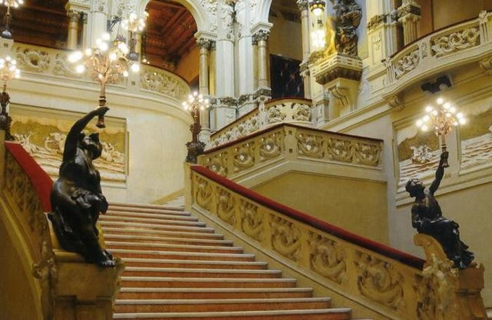 San Pellegrino, la scalinata dell'ex casinò