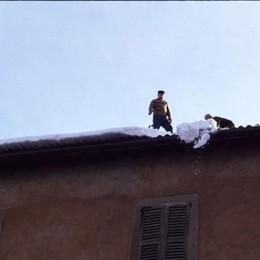 Si pulivano i tetti per evitare che cedessero sotto il peso: un dettaglio