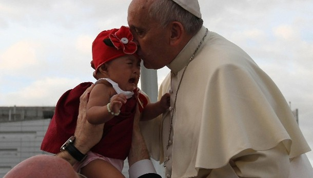 Papa a Tacloban: piango con voi